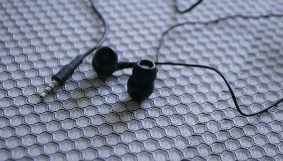 Fones Intra Auriculares JBL T210 com Microfone 3.5mm - Preto