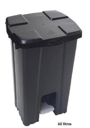 Cesto Plástico Quadrado c/ Tampa e Pedal - 60 Litros - PRETO