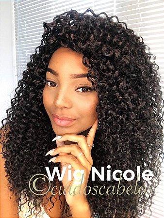Peruca fibra futura cacheada Nicole castanho