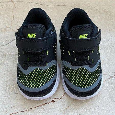 Tênis Nike - 19.5 EUR / 19 Brasil