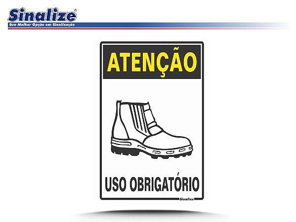 ATENÇÃO USO OBRIGATÓRIO DE BOTAS