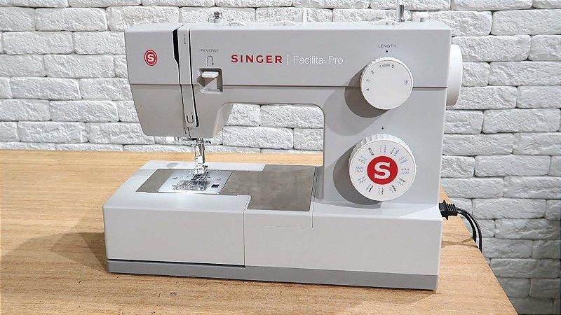 Máquina de Costura Doméstica Singer Facilita Pro 4432 - 110 V