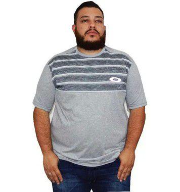 Camiseta Plus Size Masculina Cinza Listrada