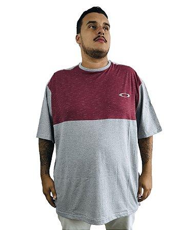 Camiseta Plus Size Masculina Vermelha e Cinza