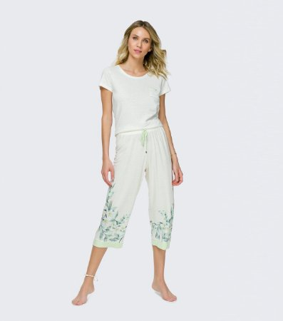 Pijama Manga Curta com Calça Midi Cor com Amor