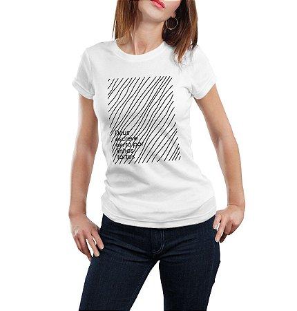 Camiseta Feminina Linhas Tortas