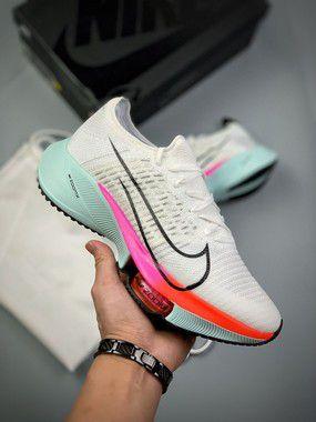 Tênis Nike Air Zoom Tempo Next%