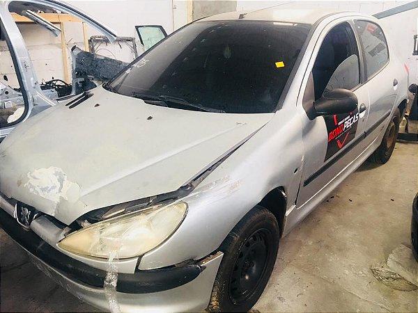 Sucata Peugeot 206 - Para Retirada De Peças.