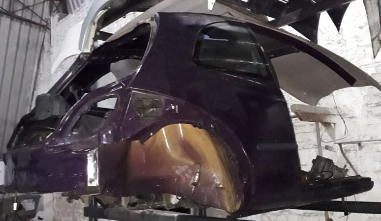 Traseira com teto Ford Ka até 2001