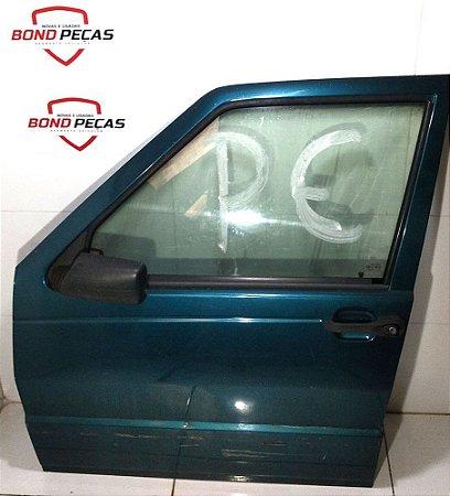 Porta dianteira esquerda do Fiat Uno 4 portas