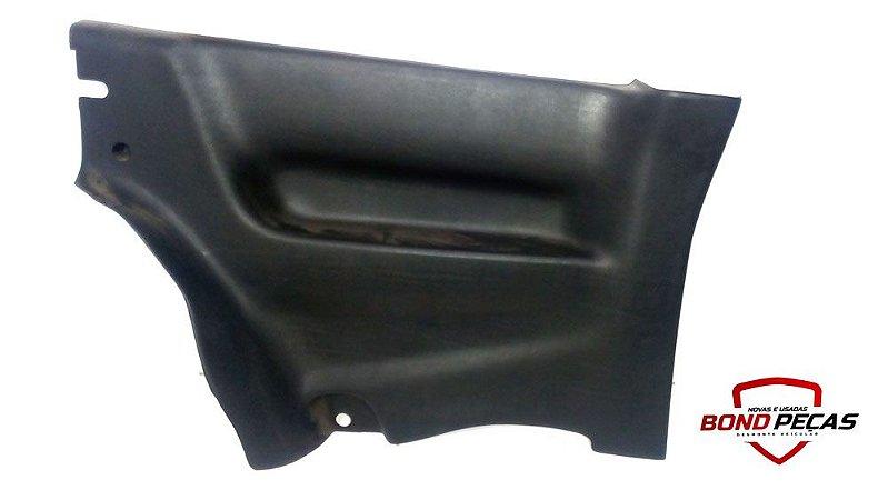 Acabamento plástico lateral lado esquerdo do Gol G2 2 portas