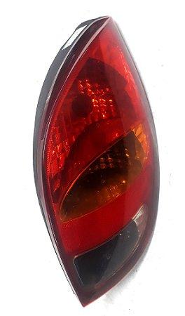 Lanterna traseira lado direito do Celta de 2001 à 06 - Original