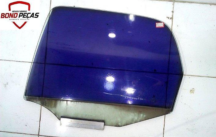 Vidro da porta traseira lado esquerdo do Corsa wind 4 portas