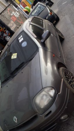 Sucata de Renault/Clio RT 1.6 2000 Cinza Para Retirada de peça