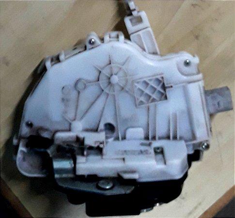 Fechadura da porta dianteira direita SpaceFox / Fox 11/15 4 portas