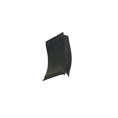Acabamento porta malas esquerdo original Focus 09 à 13