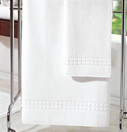 Toalha de Banho Profissional 75x150cm - Golden 500g/m² - Teka Profiline