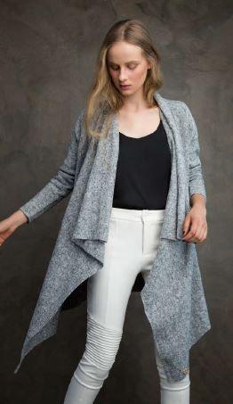 Casaco Plus Size Assimétrico