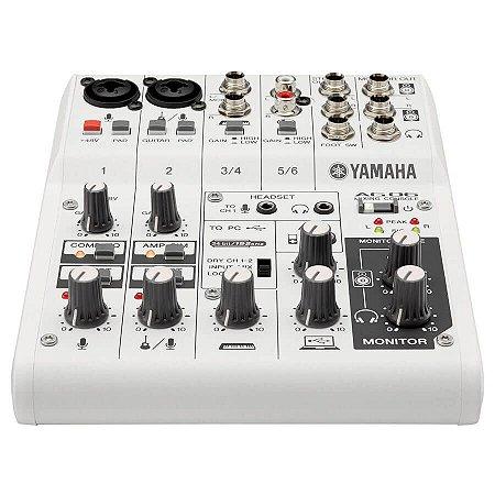 Mesa de Áudio Yamaha AG-06 com 6 Canais