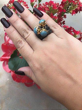 Brinco cravejado em zircônia negra e zircônia azul - banhado em ouro 18 , gataria no banho , TAMANHO 16