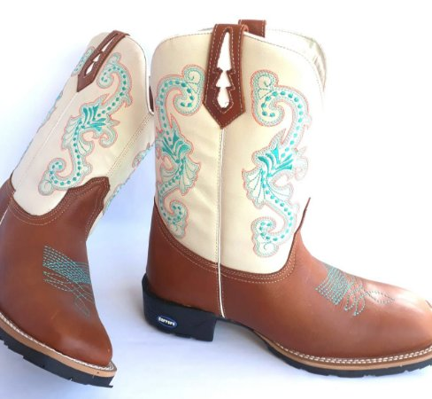 Bota feminina flores - Loja Carrero Boots 6c34d6d9ce4