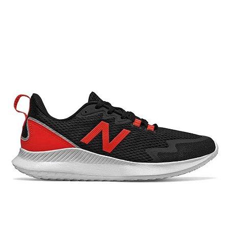 Tênis New Balance Ryval Preto com Vermelho Masculino