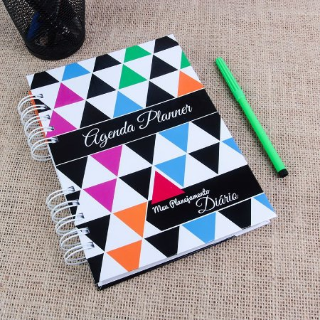 Agenda Planner 2019 | Capa Triângulos