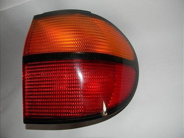 Lanterna Hella VW Sharan 1995 /2000 Completa c/Soquete VW (bicolor)