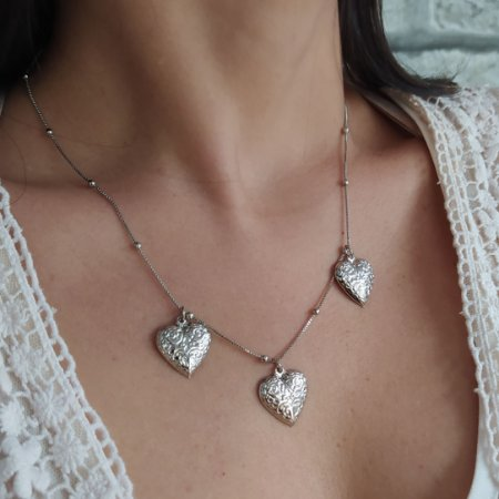 Colar folheado prata com 3 corações