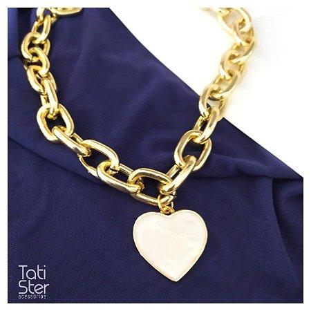 Colar bijuteria super corrente coração madripérola dourado
