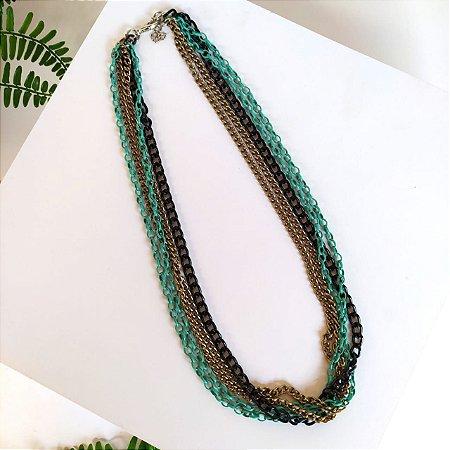 Colar bijuteria correntes verde preto e ouro velho