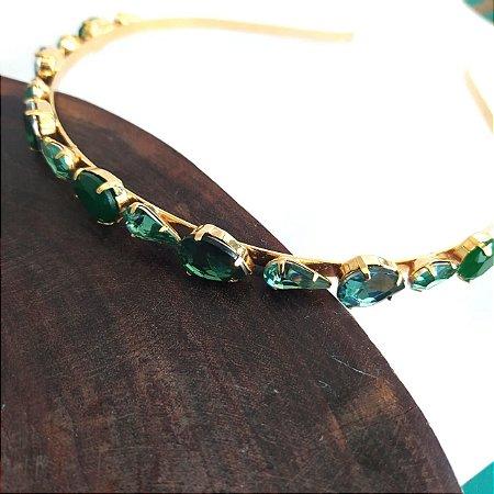 Tiara folheada dourada gotas verdes variadas