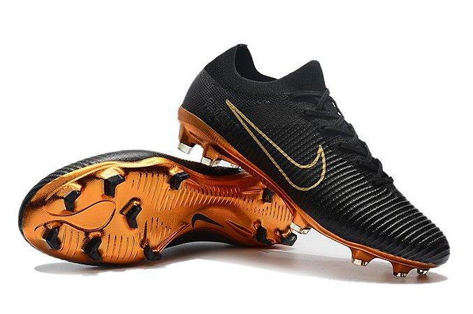 Nike Mercurial Vapor Flyknit Ultra Rooney Campo FG (Solado Dourado)