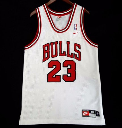 ad93512f3 Camiseta Regata Basquete NBA Swingman Chicago Bulls Michael Jordan  23 white