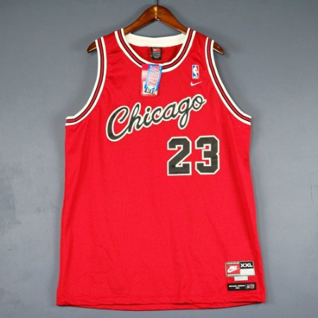 Camiseta Esportiva Regata Basquete NBA Swingman  Classics Chicago Bulls 1984 Michael Jordan Numero 23 Vermelha