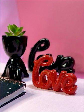 Enfeite porcelana Love Vermelho Letra Cursiva