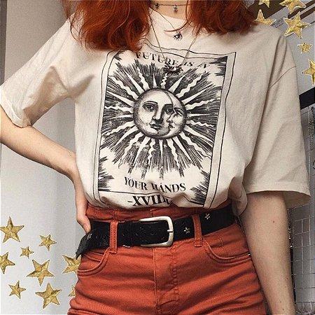 Camiseta Feminina Sol e Lua Future