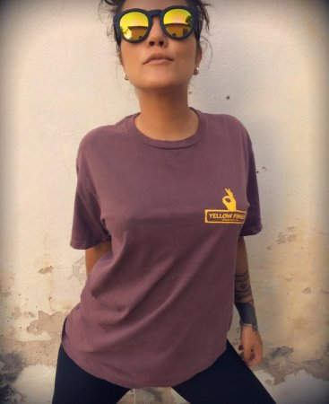 Camiseta Vinho Destonada Yellow Finger