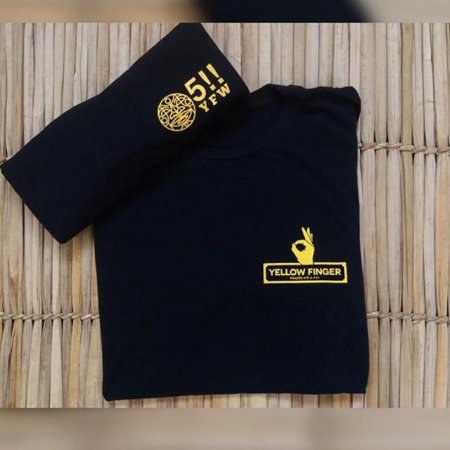 Camiseta Preta - Yellow Finger