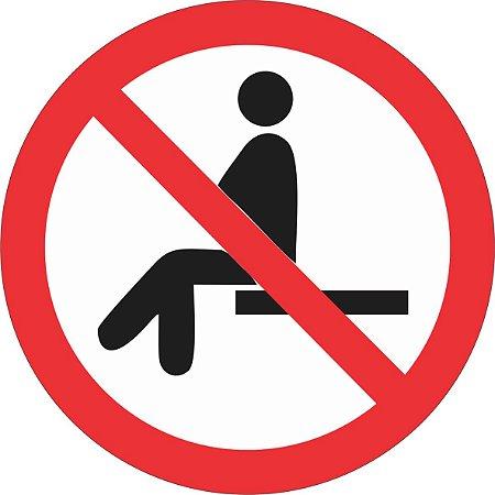 Etiqueta Proibido Sentar