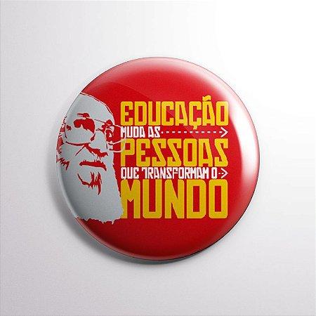 Botton Paulo Freire Vermelho