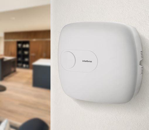 Central de alarme monitorada com até 64 zonas AMT 4010 SMART NET