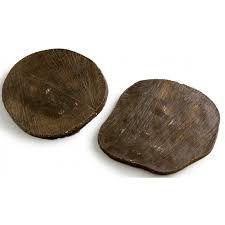 Pedra artificial em forma de eucalipto