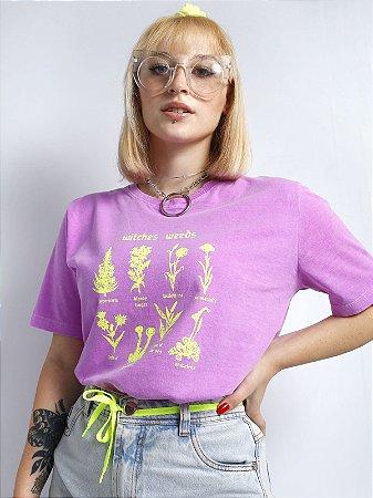 Camiseta Basic Witches Weeds Roxo Neon