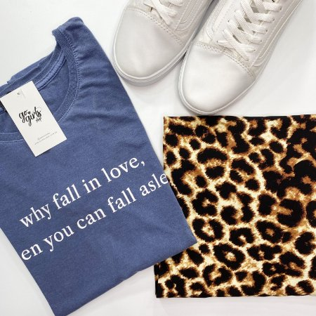 BOX - Saia Ana Animal Print + T-Shirt Fall In Love