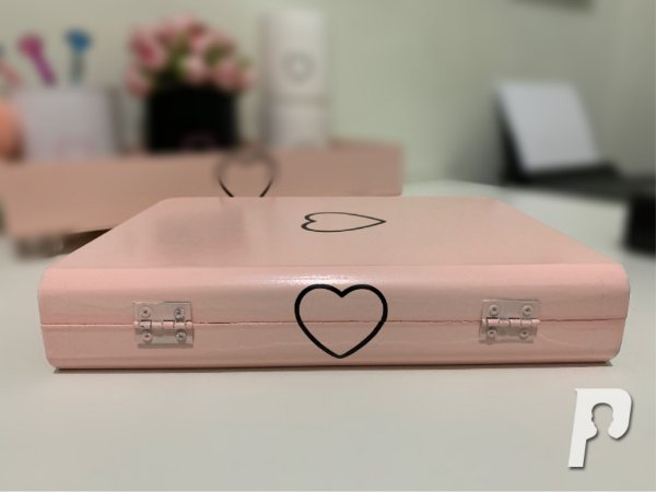 Livro Decorativo Coração Vazado Rosa Blush