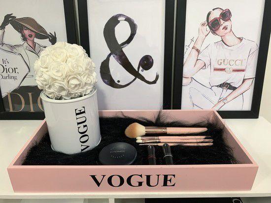 Bandeja Vogue Rosa blush com Pelucia