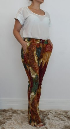 Calça feminina modelagem flare MA-RA-VI-LHO-SA