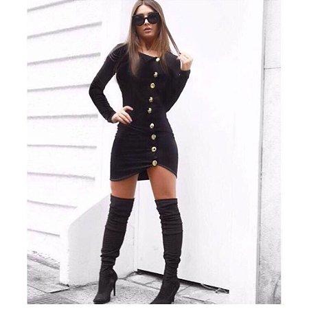 Vestido curto preto com botões super estiloso
