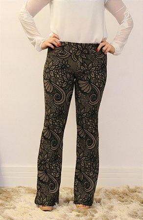 Calça feminina modelagem flare em tecido jacquard com estampa RajFlower